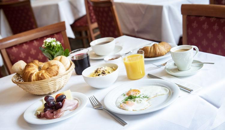 Frühstück im Parkhotel zur Klause in Bad Hall